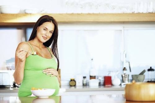 Вред творога для беременных